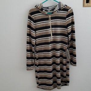 Long sleeve dress with hoody
